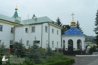 easter_procession_ukraine_pochaev_sr_1248