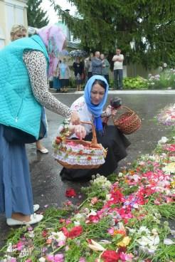 easter_procession_ukraine_pochaev_sr_1256