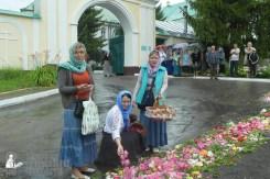 easter_procession_ukraine_pochaev_sr_1258