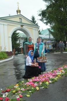 easter_procession_ukraine_pochaev_sr_1261
