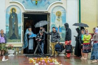 easter_procession_ukraine_pochaev_sr_1268