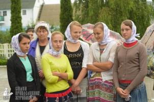 easter_procession_ukraine_pochaev_sr_1272