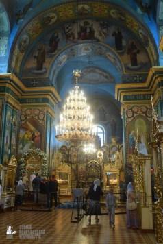 easter_procession_ukraine_pochaev_sr_1275