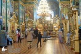 easter_procession_ukraine_pochaev_sr_1276