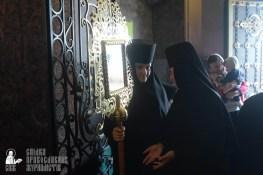 easter_procession_ukraine_pochaev_sr_1277