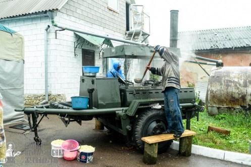 easter_procession_ukraine_pochaev_sr_1290