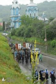 easter_procession_ukraine_pochaev_sr_1314