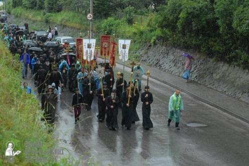 easter_procession_ukraine_pochaev_sr_1316