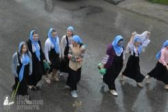 easter_procession_ukraine_pochaev_sr_1317