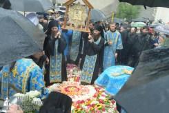 easter_procession_ukraine_pochaev_sr_1389