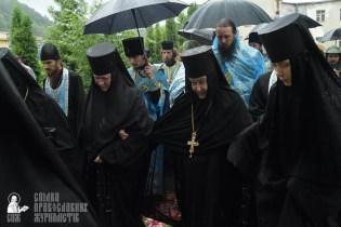 easter_procession_ukraine_pochaev_sr_1408