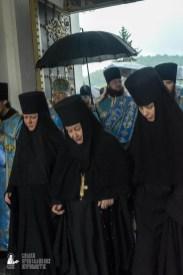 easter_procession_ukraine_pochaev_sr_1421