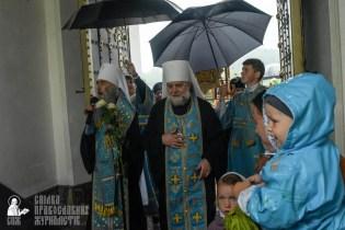 easter_procession_ukraine_pochaev_sr_1425