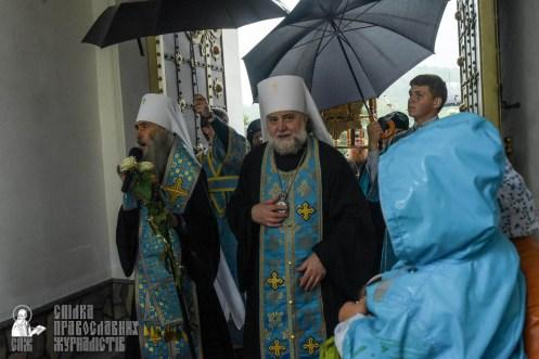 easter_procession_ukraine_pochaev_sr_1426