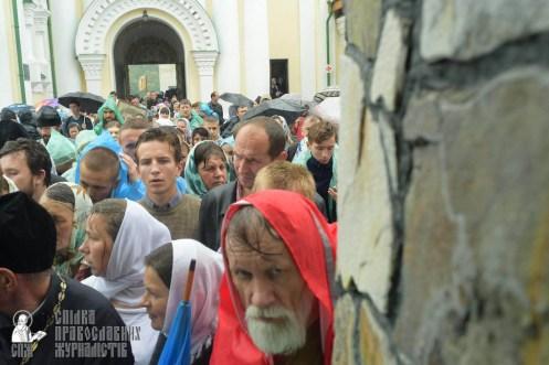 easter_procession_ukraine_pochaev_sr_1445