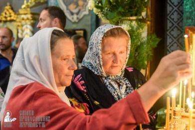 easter_procession_ukraine_pochaev_sr_1457