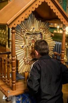 easter_procession_ukraine_pochaev_sr_1465