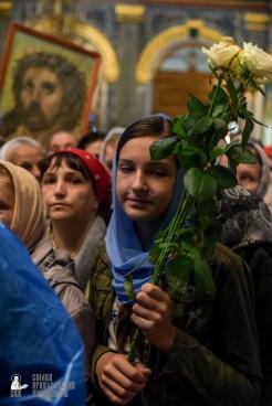 easter_procession_ukraine_pochaev_sr_1473