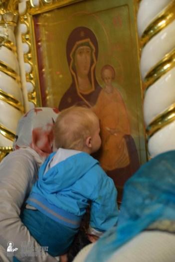 easter_procession_ukraine_pochaev_sr_1485
