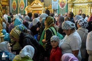 easter_procession_ukraine_pochaev_sr_1488
