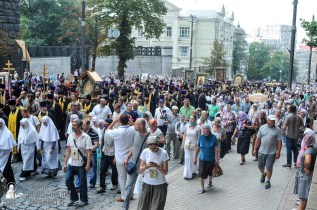 easter_procession_ukraine_an_0228