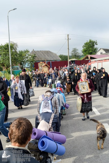 provocation-orthodox-procession_makarov_0107
