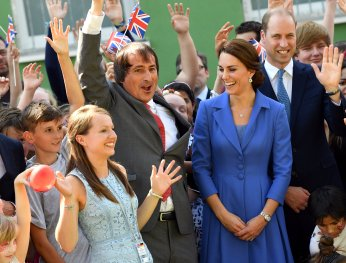 Social worker and head of charity Strassenkinder e.V. Eckhard Baumann, Prince William, the Duke of Cambridge and his wife Catherine, The Duchess of Cambridge pose with youth in Berlin, Germany, July 19, 2017. REUTERS/Jens Kalaene/POOL
