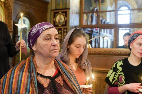 orthodoxy_chrism_iona_0134