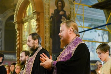 orthodoxy_chrism_iona_0169