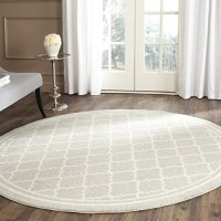 Safavieh Amherst Collection AMT422B Light Grey and Beige Indoor/ Outdoor Round Area Rug (5' Diameter)