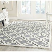 Safavieh Cambridge Collection CAM132D Handmade Moroccan Geometric Silver and Ivory Premium Wool Area Rug (6' x 9')