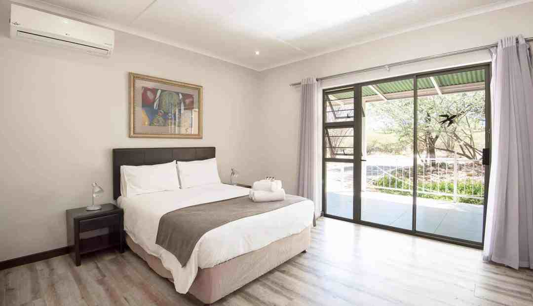 Standard Room | Double Bed | Bed & Breakfast Accommodation In Windhoek |  Arebbusch Travel Lodge