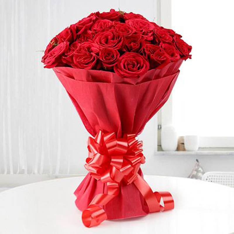 Red Roses Bucket 999