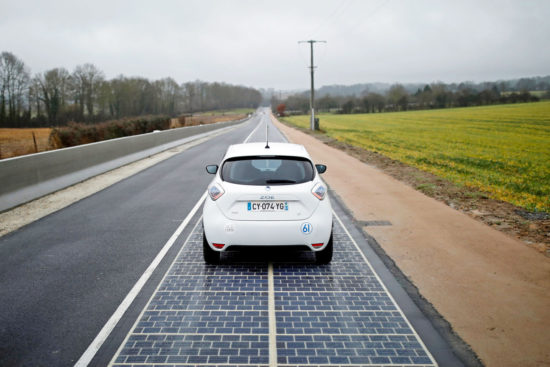 In Franta a fost construit un drum cu panouri solare