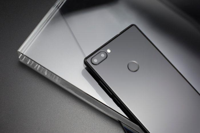 Vernee MIX 2 - cel mai bun rival pentru telefoanele cu ecrane bezel-less