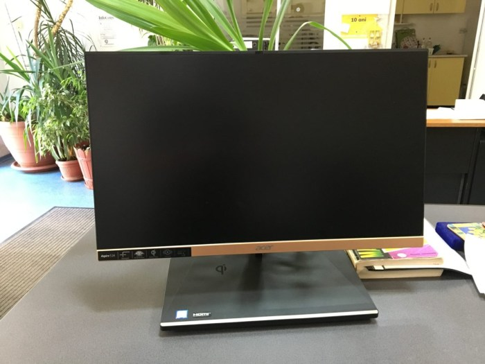 Review Acer Aspire S24 - un All in One aratos pe care te poti juca