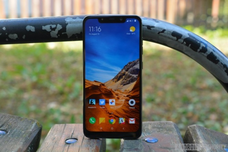 Xiaomi lanseaza Pocophone F1: un flagship care costa 300 dolari