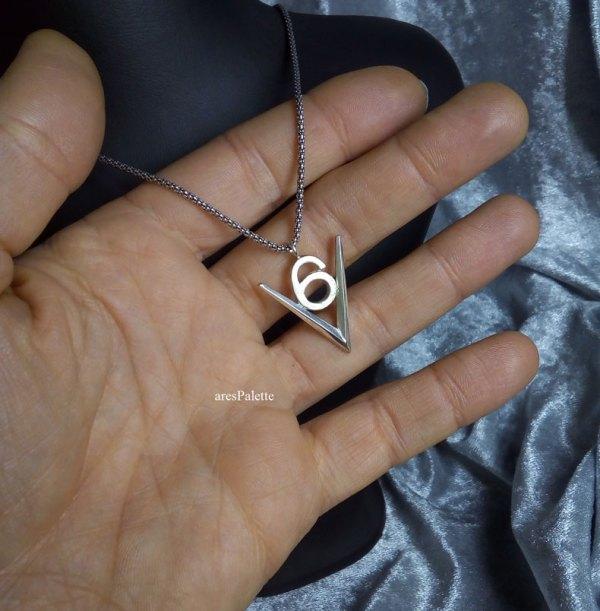 v 6 logo  v 6 engine  v6 necklace  v6 pendant  car jewelry  arespalette 6