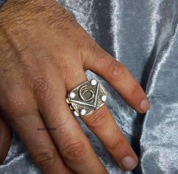 v6 ring v6 engine  v6 engine ring men rings muscle cars car jewelry   arespalette 10