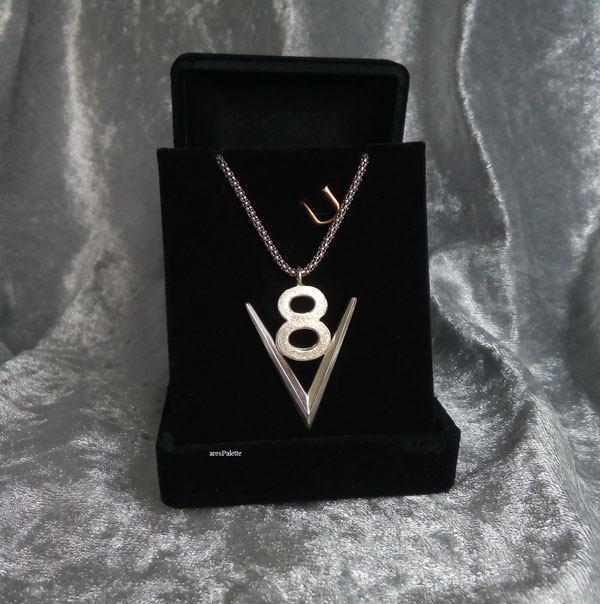 v8 necklace v8 pendant v8 pendentif american muscle cars car jewelry arespalette 5