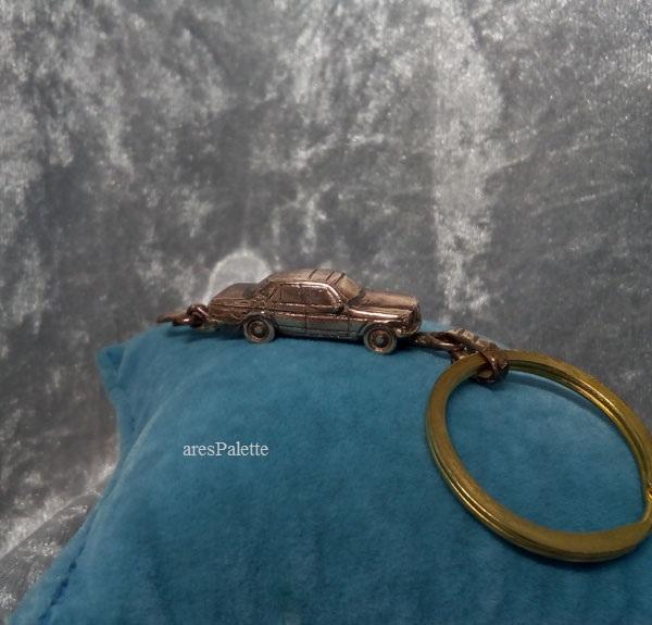 w 123 mercedes benz mercedes keychain arespalette 2
