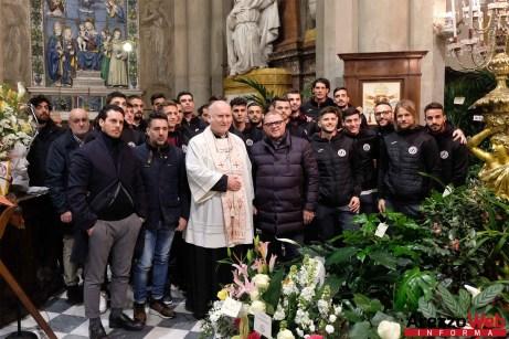 arezzo-calcio-visita-alla-madonna-del-conforto-10