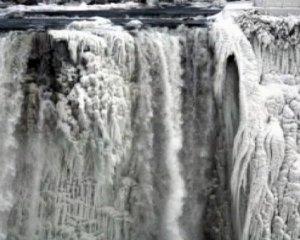 Congeladas las cataratas del Niágara