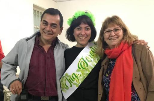 Teresa Suirez y una familia de ing. forestales