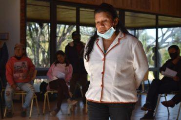 Juana Gonzalez, cacique Yvitu Pora dirige unas palabras a los y las asistentes-