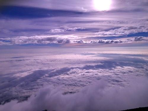 富士山山頂の雲海