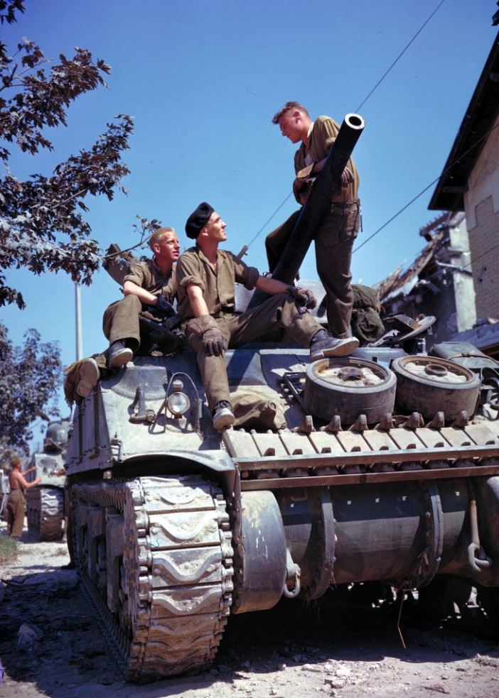 Canadian crew of a Sherman-tank, south of Vaucelles near Caen (Calvados, Basse-Normandie, France), during the battle of Normandy in June 1944.