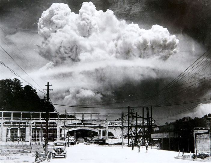 Atomic Cloud over Nagasaki. (Credits: Wikimedia Commons)