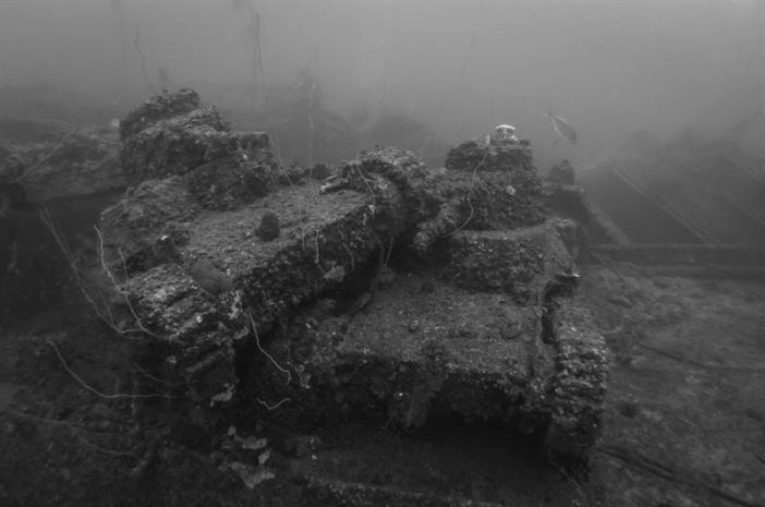 Japanese Type 95 Ha-Go Light Tanks on the San Francisco Maru wreck. (Credits: Brandi Mueller)