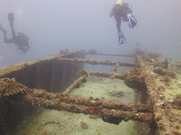 Divers on Navy tanker Mission San Miguel. (Credits: Tate Wester/NOAA)